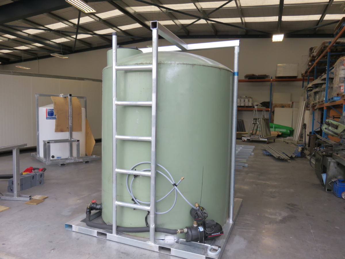 5000L Water Tank & Pump
